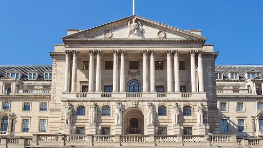 Bank of England mulls negative interest rates